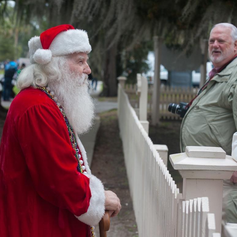 Santa at the Nardi Gras pararde